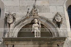 Korčula - detalhe da fachada da catedral - detail of the cathedral's façade