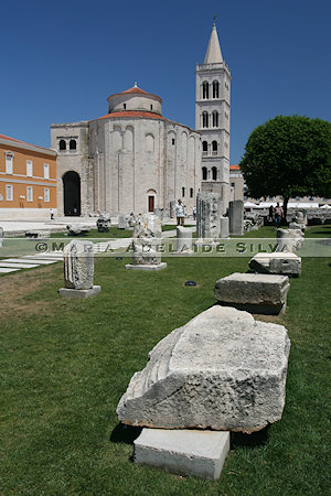 Zadar - ruínas do Fórum Romano e Igreja de São Donato - ruins of the Roman Forum and St. Donatus' Church