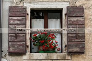 Grožnjan · janela · window