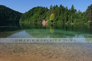 Plitvice · um lago cristalino · a crystal lake