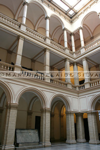 Zagreb · interior da Academia · interior of the Academy