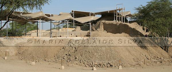Huaca Rajada - pirâmide menor - smaller pyramid