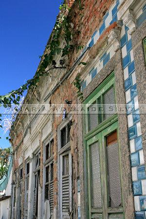 Casas em ruínas · Ruinded houses · foto/photo: Maria Adelaide Silva